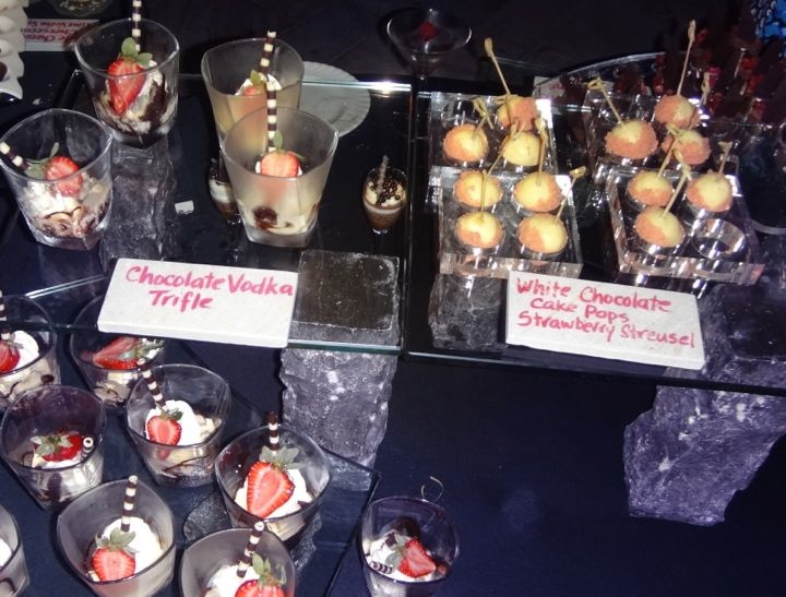 taste-of-chocolate-maui-film-festival-trifle-cake-pops