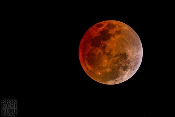 PC: Lyle Krannichfeld from La Perouse, Maui -April 15 2014 Blood Moon